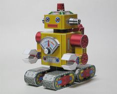 Vintage Style Robot Paper Model - by Toki