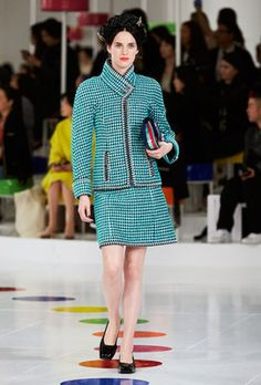 Looks from the Cruise 2015/16 Ready-to-wear show - Chanel
