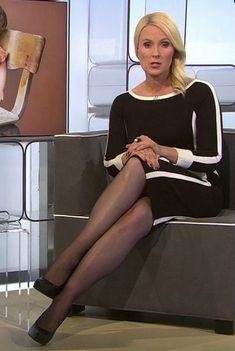 Anja Petzold, Sexy Older Women, Tv On The Radio, Beautiful Legs, Sexy Legs, Stockings, Celebs, Lady, Weather