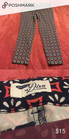 Printed Diva Old Navy Jeans Red white and blue printed diva style pants from Old Navy. Only worn a few times! Old Navy Pants Ankle & Cropped
