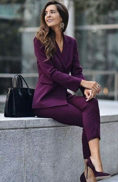 22 Classy and Casual Work Outfits For Hitting the Office in Style 22 - Spring Work Outfits Business Attire For Young Women, Business Casual Attire, Professional Outfits, Suits For Women, Clothes For Women, Young Professional, Work Clothes, Business Women, Corporate Outfits For Women