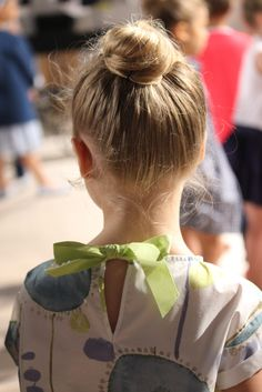 @ilgufospa Spring 2015, details from the fashion show: yellow and green on a stunning blouse featuing a bow on the back. #ilgufo #SS15 #spring #summer #springsummer2015 #childrens #kids #childrenswear #kidswear #kidsfashion #girls #boys #pittibimbo79 #ilgufoliveshow