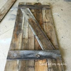 I love barn wood. Today I wanted to show you how to make a simple barn door. Its so easy! Making Barn Doors, Building A Barn Door, Building Plans, Farm Door, Diy Barn Door, Interior Sliding Barn Doors, Sliding Barn Door Hardware, Sliding Doors, Door Latches