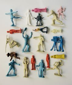 plastic people by bricolagelife ( Vintage Gift to Kit / Dentist Clinik, Denmark) Things Organized Neatly, Jolie Photo, Still Life Photography, Old Toys, Vintage Design, Little People, Vintage Toys, Illustrations Posters, Decoration