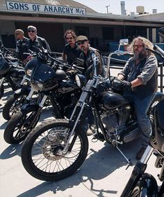 Hells Angels On Sons of Anarchy Soa Cast, Hd Fatboy, Sons Of Arnachy, Netflix, Sons Of Anarchy Samcro, Sons Of Anarchy Motorcycles, Ape Hangers, Hells Angels, Jax Teller