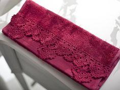 Kadınların ilgisini çeken dantel örnekleri Filet Crochet, C2c Crochet, Crochet Poncho, Crochet Lace, Crochet Patterns, Coin Couture, Flower Crafts Kids, Towel Crafts, Edging Ideas