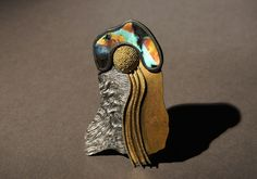 Harold O'Connor.  © By the author. Read    Klimt02.net Copyright ||  Brooch: Untitled, 2012 Silver, 750 gold, spectrolit