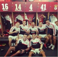 Muito obrigada por tudo! ♡ O campeão voltou! ♡  #CarregaBenfica #Benfica33 pic.twitter.com/tIG8HgolBK