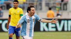 #FelizCumpleMessi: su mejor gol en la Selección, para ver mil veces.  http://ir.tn.com.ar/1pxjya5 pic.twitter.com/SCKhTDMzbI