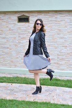 Look preto e branco para os dias frios: P&B é sempre clássico, não sai de moda e é bem versátil.