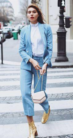 Street style look com terninho azul.