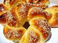 Asalam alaykom, bonjour à tous, voici un délicieux pain brioché en forme de couronne torsadée, léger, moelleux et facile à praparer ( à la machine ou à la main) Ingrédients: 400 g de farine 1 càs d'huile 1 càc de sucre 1 càs de levure boulangère 1 càs...