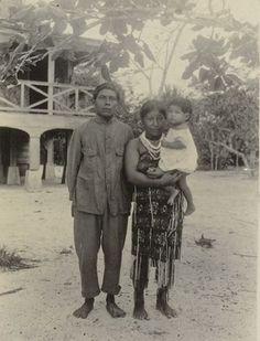 De nooit uitgegeven encyclopedie over de Indianen van Suriname. In het bijzonder de Ka'rina Indianen. Met dank aan de broers Arthur (1880-1932) en Frederik Penard (1876-1909), geboren en getogen in Suriname.