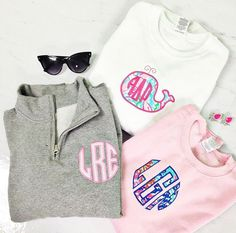 Love the monogram on the gray popover! Preppy Outfits, Spring Outfits, Cute Outfits, Prep Style, My Style, Monogram Pullover, Cute Fashion, Preppy Fashion, Patches