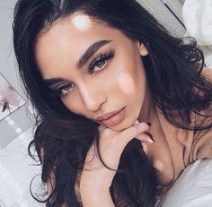 Pinterest: @barbphythian || makeup | Janice Joostema