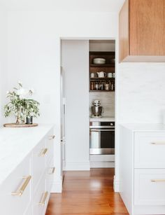 A restored New Plymouth villa is the second finalist in Reno of the Year Big Kitchen, Home Decor Kitchen, Kitchen Ideas, Kitchen Inspiration, New Zealand Houses, Tin Walls, Bright Homes, Industrial, Best Kitchen Designs