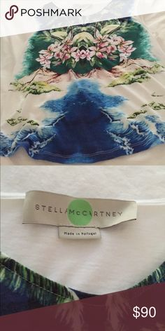 Tropical Print top From Neiman Marcus🌴🌺 Gorgeous Top by Stella McCartney🌺. The top speaks for itself🌺🙀 Price is firm.👗 Stella McCartney Tops Tees - Short Sleeve