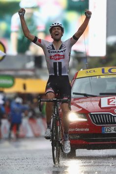 Tom Dumoulin of Holland and Team Giant Alpecin celebrates victory during the 184.5 km stage 9 of Le Tour de France from Vielha Val D'Aran to Andorre Arcalis on July 10, 2016 in Andorra la Vella, Andorra.