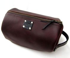 Espresso Brown Leather Dopp Kit. Men's Custom Leather Accessories from San Filippo Leather.