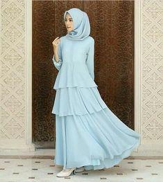 Abaya Fashion, Modest Fashion, Fashion Dresses, Hijab Gown, Moslem Fashion, Churidar Designs, Hijabi Girl, Muslim Dress, Islamic Fashion