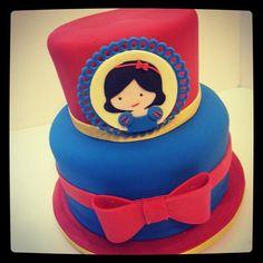 Snow White cake www.hellocakesbyvanessa.com