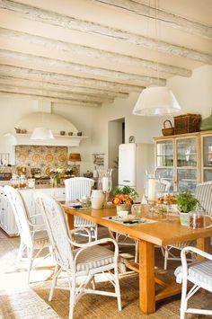 Una cocina campestre muy luminosa · ElMueble.com · Cocinas y baños