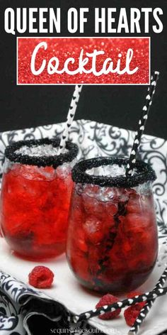 This queen of hearts cocktail is the perfect beverage for an adult Alice in Wonderland themed party or any card game night! Party Food Themes, Casino Party Foods, Alice In Wonderland Tea Party Food, Game Night Food, Casino Night Food, Disney Dinner, Mad Tea Parties, Themed Parties, Birthday Drinks