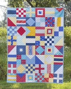 Baby Quilts Nautical Quilt, pattern by Cluck Cluck Sew : Fresh Lemons Quilts Flag Quilt, Boy Quilts, Scrappy Quilts, Quilt Blocks, Amish Quilts, Ocean Quilt, Beach Quilt, Bonnie Hunter, Nautical Quilt