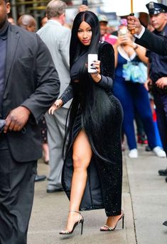 Nicki lookin sexy in NYC – Nicki Minaj Menagerie Nicki Minaj Rap, Nicki Minaj Outfits, Nicki Minaj Barbie, Nicki Minaj Pictures, Nicki Baby, Nicki Minaji, Nicki Minaj Wallpaper, Beautiful Black Girl, Female Singers