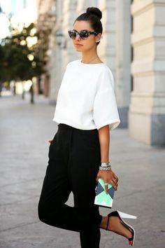 tenue professionnelle femme en blanc et noir, vision élégante