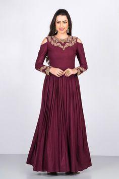 NISHA SAINANI maroon could shoulder gown #flyrobe #weddings #friendsofthebride #designerwear #indianweddings#indianweddingoutfits