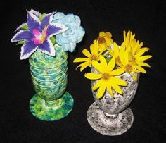 Vases of bottles with their own hands - 29 photos with ideas for creativity - Glass and plastic bottles have a wide variety of shapes and sizes, which makes them an excellent material for making vases. Diy Home Decor On A Budget, Diy Home Improvement, Plastic Bottles, Christmas Tree Ornaments, Dollar Stores, Diy Projects, Creative, Google Translate, Nude
