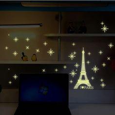 2 stks Fluorescerende Groene Parijs Eiffeltoren Star Glow in de Dark Lichtgevende Muursticker Art Decal Thuis Kids Slaapkamer Decoratie DIY(China (Mainland))