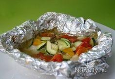 Fóliában sült zöldséges halfilé Fish Recipes, Seafood Recipes, Oatmeal, Breakfast, Desserts, Drink, Diet, The Oatmeal, Morning Coffee