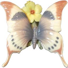"""Lladro Butterfly """"A Moment of Rest"""" 6173 Offered by The Old Stone Mansion on Ruby Lane"""
