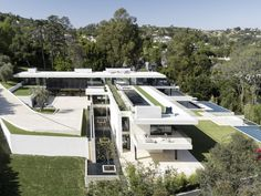Paul McClean's ultra-luxe houses have sold to Beyoncé, Calvin Klein, Aviici, and other .1 percenters.