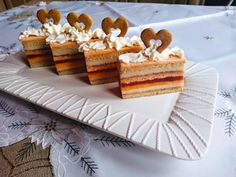 Karácsonyi mézes -narancsos szelet Hungarian Desserts, Sweet Life, Tiramisu, Waffles, Breakfast Recipes, Food And Drink, Sweets, Snacks, Baking