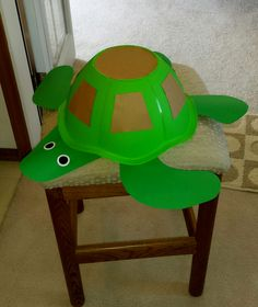Shipwrecked - Saved by Jesus, VBS 2018. Turtle using a Dollar Store bowl and card stock. Made by Ann Lancaster.