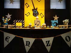 Guitar, music, Rock and Roll , Rock star Birthday Party Ideas Rock Star Theme, Rock Star Party, Music Themed Parties, Music Party, Festa Rock Roll, Guitar Party, Instruments, Disco Party, Blue Party