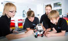 Resultado de imagen de jovenes robotica