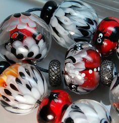 TRIZAS-ORIGINAL Handmade glass lampwork bead - Lotus cats -  TOS0077 SRA #TRIZASOriginal #Lampwork