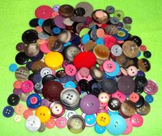 Love the colorful buttons.