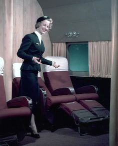 Air France открывает свои фотоархивы - Новости - Vogue Daily - Журнал VOGUE Airline Cabin Crew, Airline Travel, Air Travel, Air France, Super Constellation, Commercial Plane, Commercial Aircraft, Fly Air, All Airlines