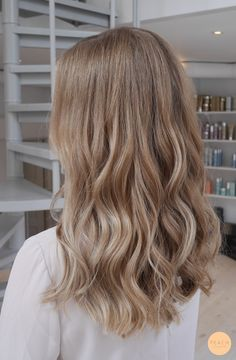 40 gorgeous honey blonde hairstyles ideas 40 The Effective Pictures We Offer You About balayage hair Blond Hairstyles, Pretty Hairstyles, Hairstyle Ideas, Bob Hairstyle, Fringe Hairstyle, Black Hairstyle, Easy Hairstyles, Halloween Hairstyles, Bridal Hairstyle