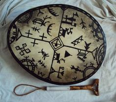 Shaman drum American Indian Art, Native American Art, American Indians, Lappland, Tribal Makeup, Sword Dance, Dream Catcher Art, Ancient Mysteries, Aboriginal Art