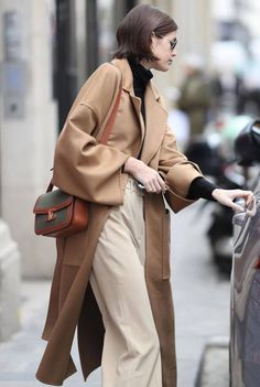Fall Winter Outfits, Winter Fashion, Celine Coat, Kaia Gerber, Fashion Outfits, Womens Fashion, Mantel, Casual, Vogue