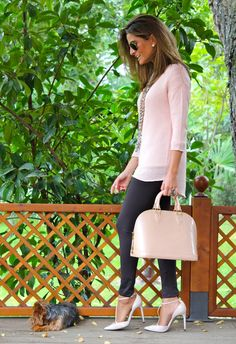 Fashion and Style Blog / Blog de Moda . Post: Piel Frama and today´s look / Piel Frama y mi look de hoy .More pictures on/ Más fotos en : http://www.ohmylooks.com/?p=24178 .Llevo/I wear: Legging : Bershka; Jersey: Stradivarius (New collection) ; Shoes/Zapatos : Zara (old) ; Necklaces/Collares : Fahoma; Ring/Anillo : Coolook ; Bag/Bolso : Louis Vuitton ; Mobile case/Carcasa de móvil : Piel Frama