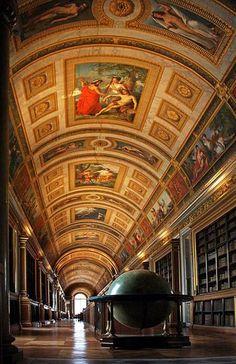 .Greater Paris, Napoleon's Librairy, Fontainebleau Castle, Fontainebleau, Seine et Marne.