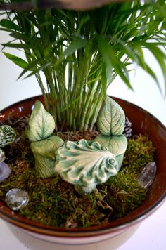 Miniature Leaf Chair for Fairy gardens by garnetteh on Etsy, $7.50