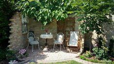 Ezeket a funkciókat tervezd be a kertbe Garden Planning, Beautiful Gardens, Garden Plants, Pergola, Outdoor Decor, Home Decor, Minden, Google, Flowers